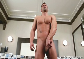meaty muscled homo chap beating off